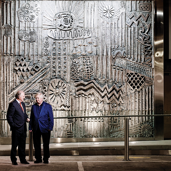 Sculptor John Behan (right) with Allianz CEO Brendan Murphy and Celtic Realm.